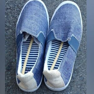 chambray denik. slip on sneakers boat shoes new